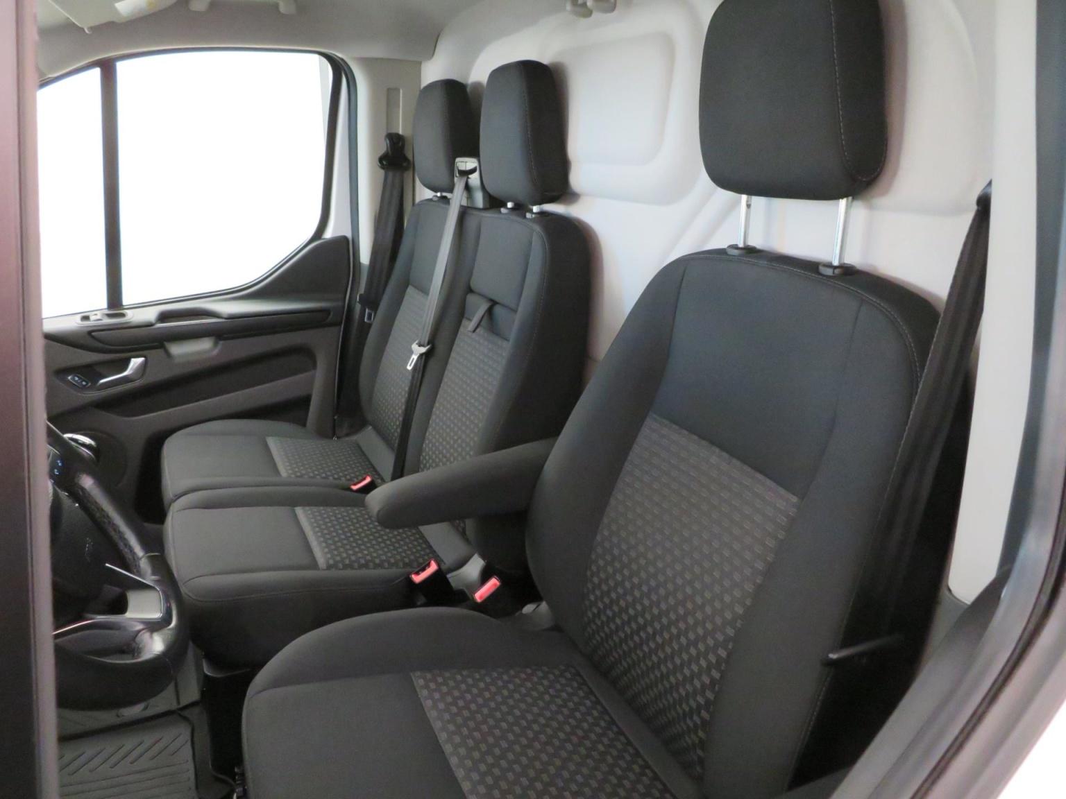 Ford-Transit Custom-45