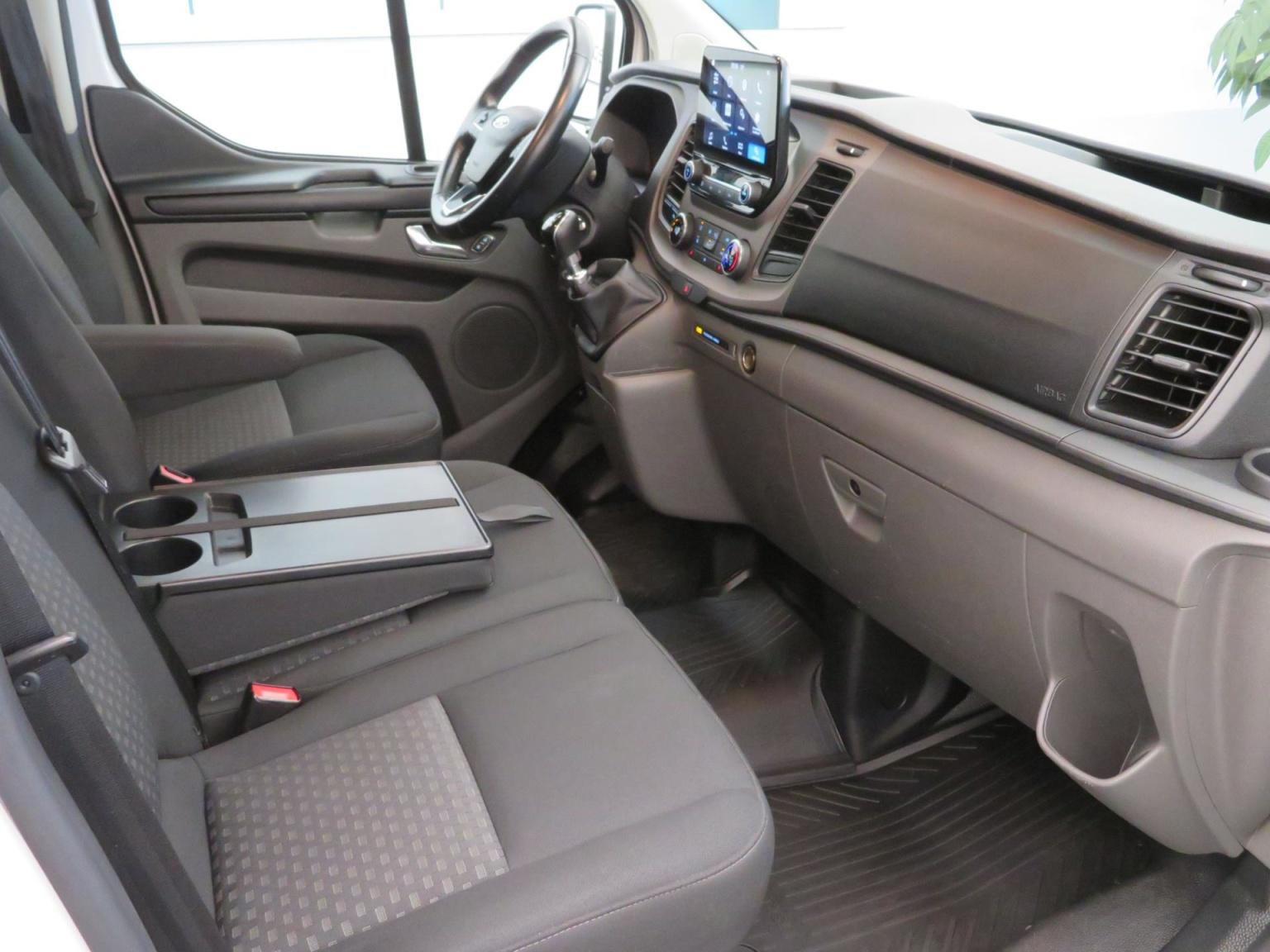 Ford-Transit Custom-1