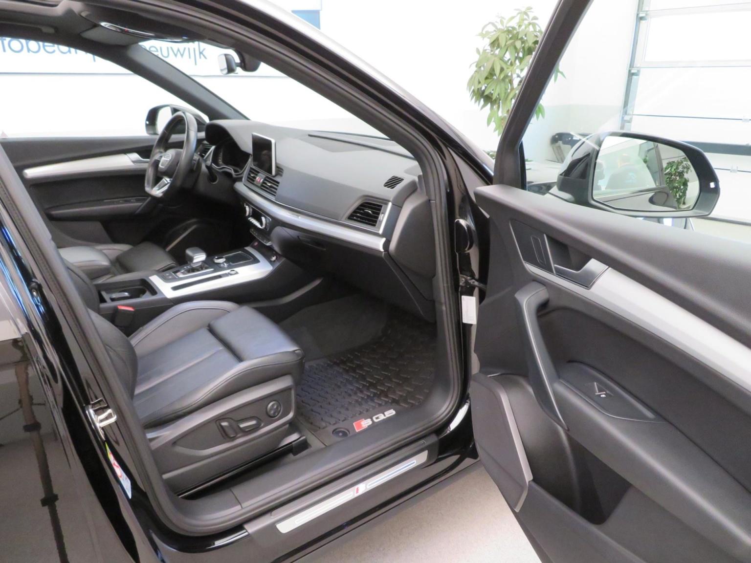 Audi-SQ5-24