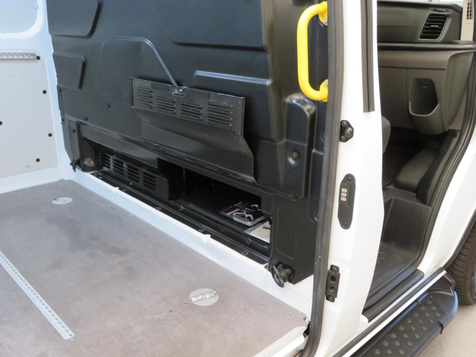 Ford-Transit Custom-36