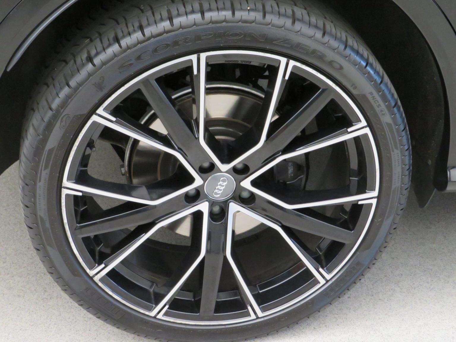 Audi-SQ5-75