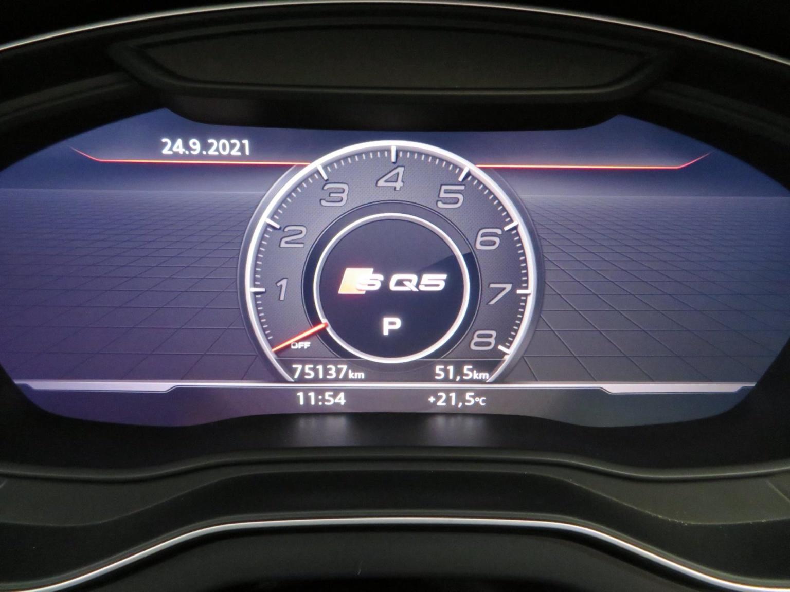Audi-SQ5-6